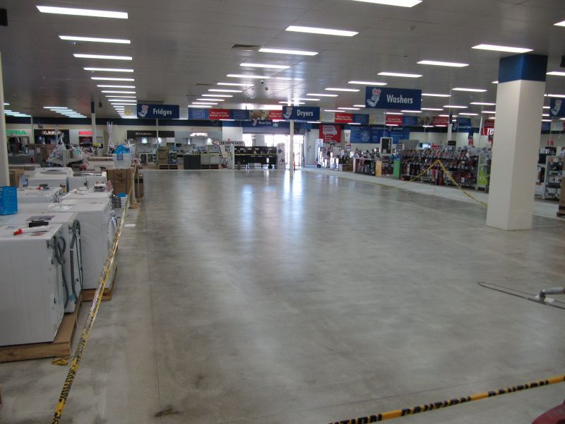 Retail Flooring Refurb while Trading