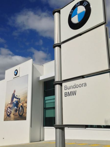BMW Bundoora  <a href=https://www.smoothstone.com.au/projects/commercial/bmw-bundoora > | View project</a>